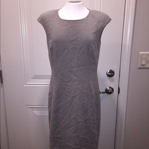 Tahari size 6 midi dress black and white